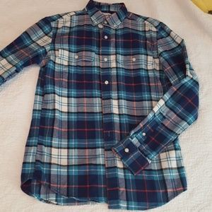 Handsome men's slim fit flannel shirt